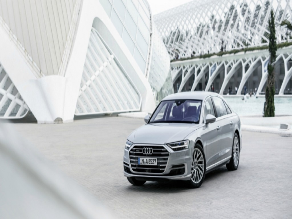 "Audi Center Campinas - Audi A8 é eleito o ""Carro Mais Luxuoso do Mundo de 2018"""